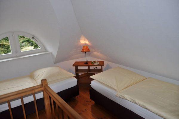 fewo-alt-reddevitz-insel-ruegen-karolas-landhus-auf-moenchgut-unterkunft-7