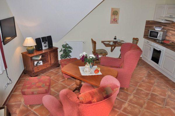 fewo-alt-reddevitz-ruegen-karolas-landhus-auf-moenchgut-unterkunft-7