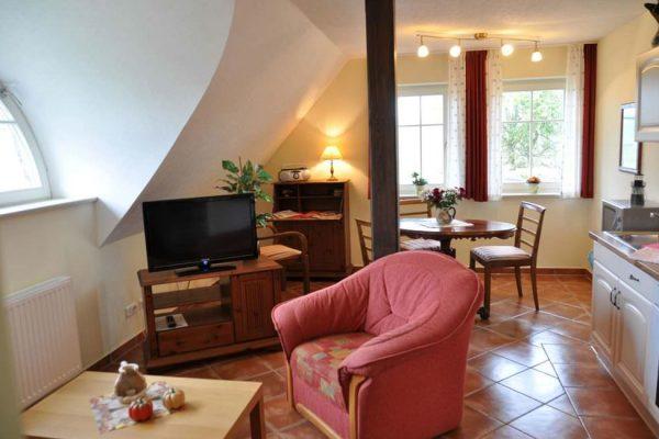 maisonette-ferienwohnung-auf-ruegen-karolas-landhus-alt-reddevitz-4+8