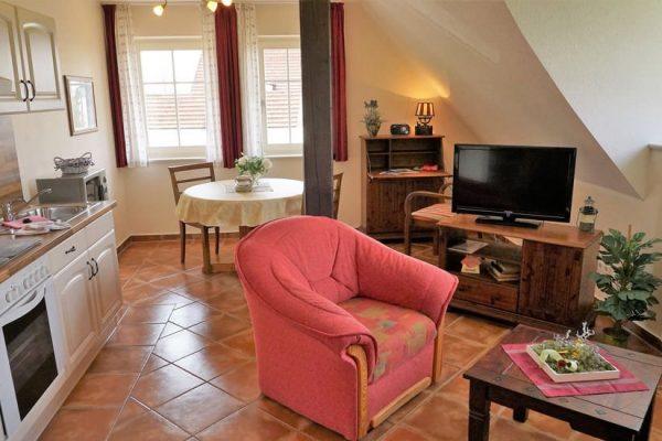 maisonette-ferienwohnung-in-alt-reddevitz-auf-ruegen-karolas-landhus-4+8