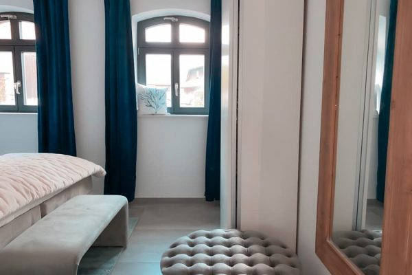schlafzimmer-ferienwohnung-1-haus-besch-alt-reddevitz-ruegen-carlet-moewenblick