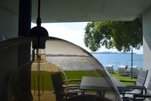 haus-besch-alt-reddevitz-apartment5-terrasse-mit ausblick-auf-bodden