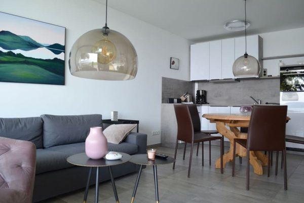 haus-besch-apartment-auszeit-am-meer-wohn-essbereich