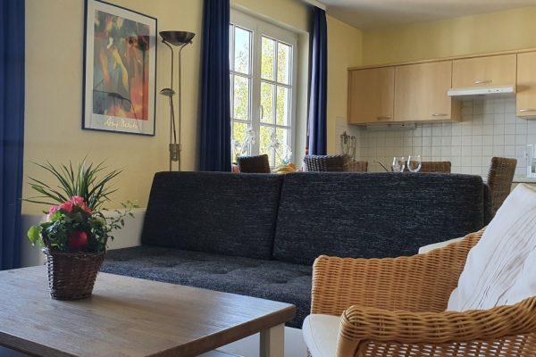 villa-sanddorn-auf-ruegen-binz-wohnung-27-couchgarnitur