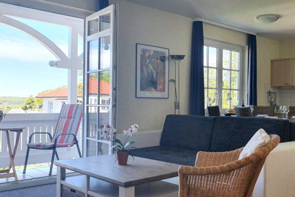 villa-sanddorn-binz-wohnung-27-wohnbereich-mit-balkon