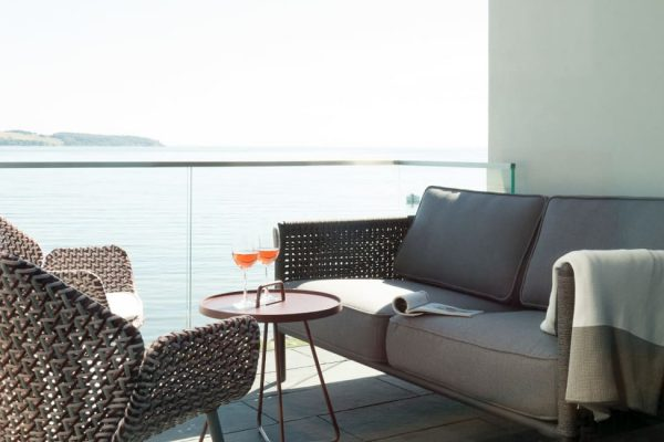 haus-besch-alt-reddevitz-apartment-fischerstrand-balkon-mit-wasserblick
