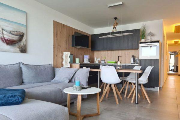 haus-besch-alt-reddevitz-apartment-casa-del-mar-kueche-mit-essbereich