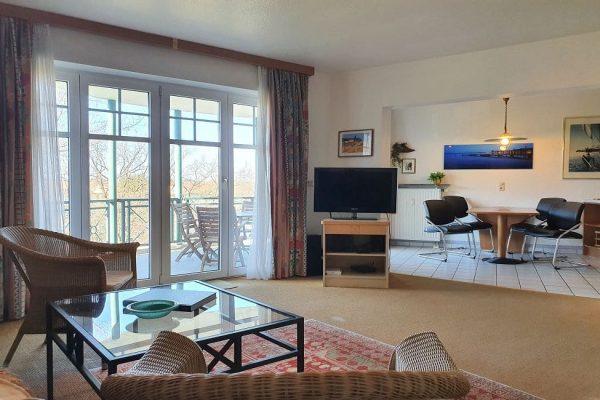 waldschloesschen-sellin-wohnung-12-wohnbereich-mit flachbild-tv