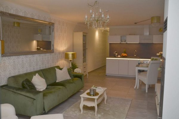 haus-besch-alt-reddevitz-apartment-preussische-boddensuite-wohn-und-essbereich