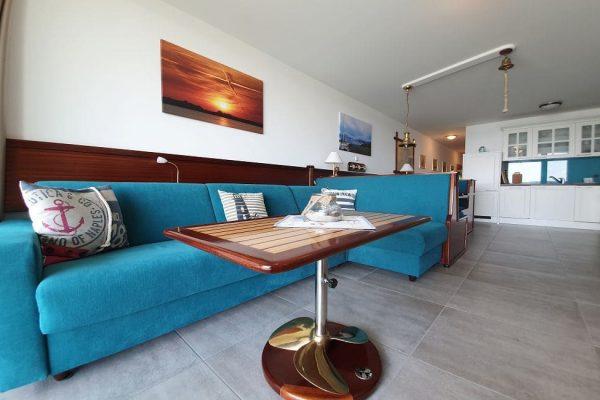 haus-besch-in-alt-reddevitz-kleine-kapitaenskajuete-7-couchgarnitur