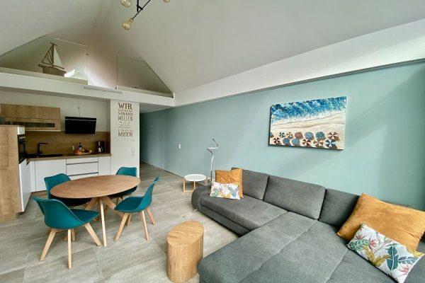 haus-besch-alt-reddevitz-auf-ruegen-apartment-wohnbereich-der-ferienwohnung