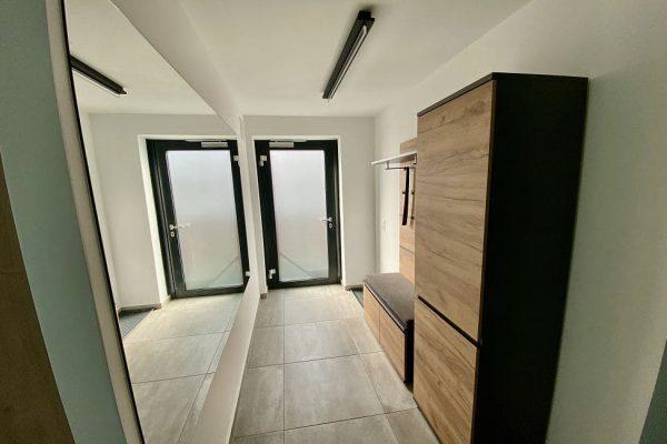haus-besch-alt-reddevitz-auf-ruegen-apartment-eingangsbereich-flur-der-ferienwohnung-lieblingspkatz-am-meer
